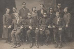Работники кузнечно-болтового цеха (1929-1930 года)